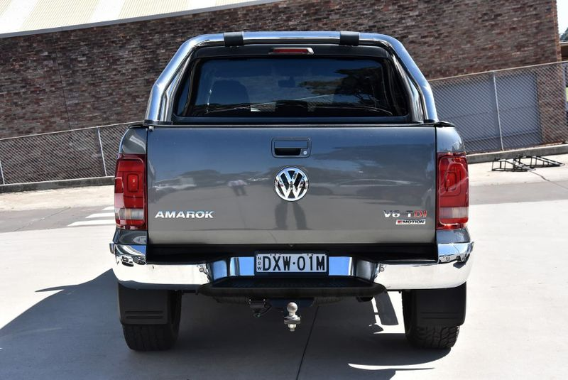 2018  Volkswagen Amarok Tdi550 Highline Utility (Grey) Pre-Owned Car  Large Picture 3